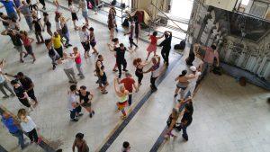 혁명박물관에서 진행중인 춤 강습